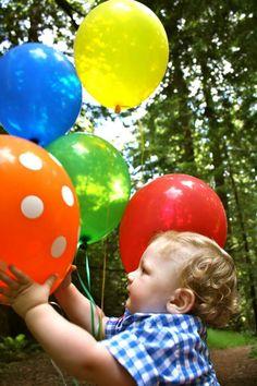First birthday photo shoot balloons