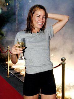 Em 2002, a socialite viajou para a Austrália para aparecer em I'm a Celebrity ... Me tire daqui, onde terminou em segundo