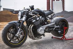 """Think Big"" GSX1400 / DB Design Bikes"