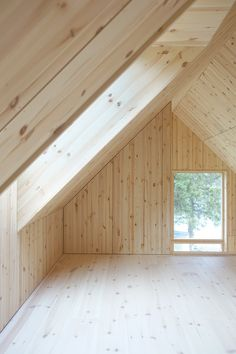 Architecture studio Bornstein Lyckefors chose an unusual shade of green for the exterior of Granholmen, a humble cabin on the Swedish island of Kallaxön. Red Houses, High Windows, Wooden Cottage, Copper Roof, Swedish House, Ground Floor Plan, Loft Spaces, Small Spaces, Exterior Colors