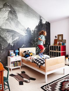 boys room with mount