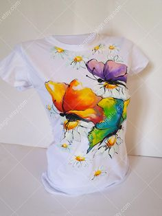 Dress Painting, T Shirt Painting, Fabric Painting, Fabric Art, Fabric Paint Shirt, Paint Shirts, Hand Painted Dress, Painted Clothes, Fabric Paint Designs