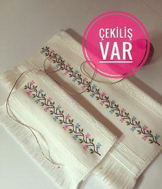 Swedish Embroidery, Wool Embroidery, Cross Stitch Embroidery, Cross Stitch Patterns, Crochet Borders, Crochet Chart, Hand Embroidery Design Patterns, Bargello, Cross Stitch Flowers