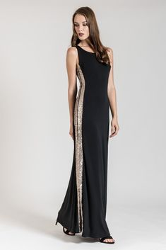 This maxi dress with sequin stripes is the trend of the year! Dress To Impress, Plus Size Fashion, Sequins, Stripes, Formal Dresses, Dress, Dresses For Formal, Formal Gowns, Formal Dress