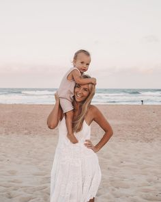 Baby Beach Photos, Cute Baby Pictures, Beach Pics, Beach Shoot, Beach Pictures, Mother And Baby, Mom And Baby, Baby Baby, Cute Kids