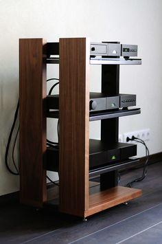 Hifi Stand, Audio Stand, Speaker Stands, Home Cinema Room, Home Theater Decor, Home Decor, Diy Furniture, Furniture Design, Diy Rack