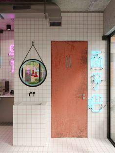 Luxury Homes Interior, Cafe Interior, Living Room Interior, Interior Livingroom, Interior Ideas, Home Decor Signs, Home Decor Styles, Home Decor Accessories, Cheap Dorm Decor