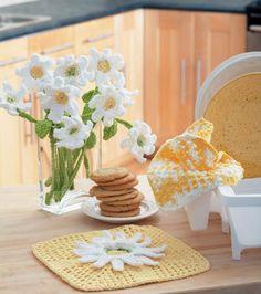 #Crochet a Keepsake Bouquet | Find yarn and FREE pattern at Joann.com