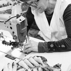 Les petites mains appartiennent à de très grandes personnes #portfranc #rondinaud #charentaises by fabienloszach