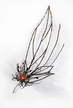CHO, BONG SANG  NIGHT BLOSSOM BROOCH 4  STEEL, STERLING SILVER, EMAMEL, 24K KEUMBOO, LASER WELDING & ENAMELING Enamel Jewelry, Metal Jewelry, Jewelry Art, Silver Jewelry, Vintage Jewelry, Jewelry Design, Unique Jewelry, Silver Work, Wire Art
