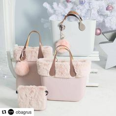Choosing The Perfect Handbag That's Suitable For All Season - Best Fashion Tips Travel Handbags, Tote Handbags, My Bags, Purses And Bags, Leather Craft, Leather Bag, Pandora Bag, Kipling Bags, Tote Backpack