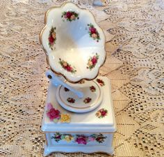 Royal Albert Old Country Roses Antique Music Box