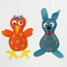 This chick and Easter bunny are cut from felt using the same template. Small details made from felt as well as small decorative items are glued on. Easter Crafts, Fun Crafts, Crafts For Kids, Felt Bunny, Easter Bunny, Fleece Projects, Diy Ostern, Felt Bows, Fabric Bows