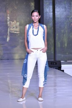 jakarta fashion food festival 2015 - Fashion Shows 2015 / Project Fellowship Fashion Shows 2015, Food Festival, Jakarta, White Jeans, Capri Pants, Trends, Dresses, Vestidos, Capri Trousers