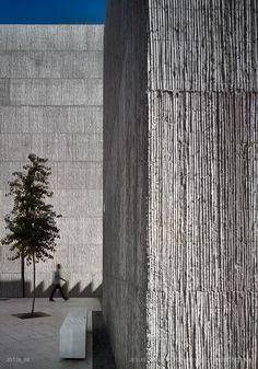 Daniel Jiménez Ferrera, Jaime Olivera Quintanilla, Jesús Granada · R&D+i… Architecture Antique, Concrete Architecture, Sustainable Architecture, Architecture Details, Modern Architecture, Pavilion Architecture, Residential Architecture, Concrete Facade, Stone Facade