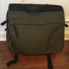 Eddie Bauer olive green messenger tote. GUC- does not have shoulder strap, just handle. Does have rings for shoulder strap if wanted. Eddie Bauer Bags Laptop Bags