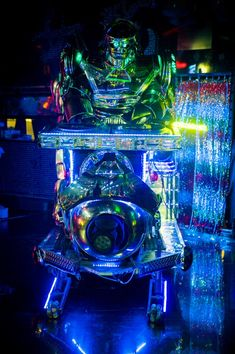 Recap of a visit to Tokyo's most bizarre (and that's saying something!) restaurant: the Robot Restaurant.