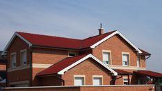 Klasszikus tető – kissé átértelmezve új színek által, hiszen a hullámos forma nemcsak pirosban mutat jól. A holnap tetője, amely már ma is hódít.  Klasszikus termékünk lágy hullámvonalaival illeszkedik a magyarországi tájakhoz. A holnap tetőmegoldása a hagyományos formák és színek kedvelőinek. Marvel, Cabin, House Styles, Home Decor, Decoration Home, Room Decor, Cottage, Interior Decorating, Cottages