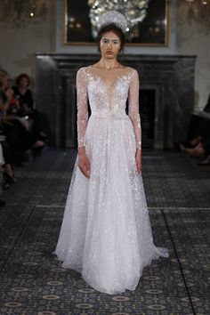 19 Brand-New Wedding Dresses That Redefine Gorgeous