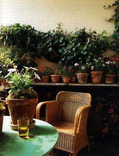 love the flower pots