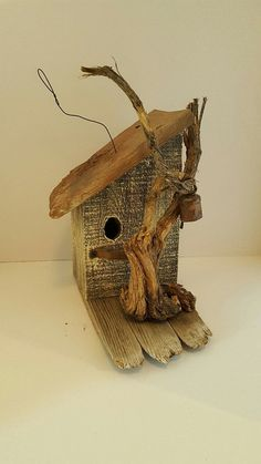 Bird House Plans 496240452688910867 - birds are beneficial for your garden. all you have to get is use these clear DIY bird home plans and bird feeder to construct one, and they will come. Source by elisabethwolber Wooden Bird Houses, Bird Houses Diy, Bird House Feeder, Diy Bird Feeder, Rustic Bird Feeders, Bird House Plans, Bird House Kits, Homemade Bird Houses, Birdhouse Designs