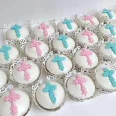 Cross Cupcakes for Baptism or Communion