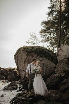 Michigan cliffside, beach elopement - The Wedding Story of Emma and Ben Goforth | WeddingDay Magazine