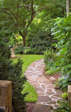 Beautiful Garden in Birmingham, Alabama ~ Home Designs