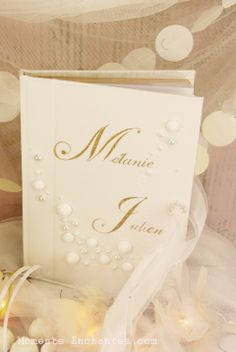 """Livre d'or ou album photos """"Perles d'Amour"""" Idéal pour un mariage en hiver. www.moments-enchantes.com Création Moments Enchantés"""