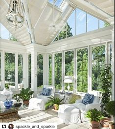 Happy Sunday! May your day be filled with brightness. Thanks to @spackle_and_sparkle for the inspiration. #home #design #outdoor #porch Gorgeous conservatory . The Home Monthly.