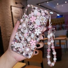 Bling flower diamond iphone case - iphone cases for iphone x Girly Phone Cases, Iphone Cases, Phone Wallpaper Pastel, Phone Wallpapers Tumblr, Cute Love Pictures, Pattern Quotes, Girl Cases, Accessoires Iphone, Luxury Flowers