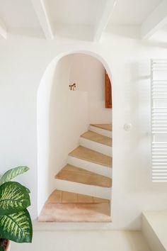 Antes y después: la nada convencional casa del siglo XVII de dos arquitectos en Mallorca Luxury Homes Interior, Luxury Home Decor, Interior Modern, Interior Design Tips, Design Ideas, Modern Luxury, Decoration, Modern Decor, Townhouse