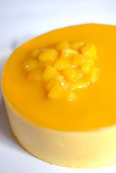 pastel con mouse de mango