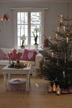 972 best christmas rooms images on pinterest christmas decorations