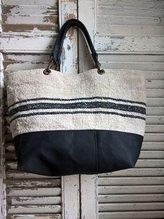 Image of Basic Bag { : Image of Basic Bag { Burlap Tote, Diy Purse, Jute Bags, Boho Bags, Linen Bag, Fabric Bags, Small Bags, Cotton Tote Bags, Bag Accessories