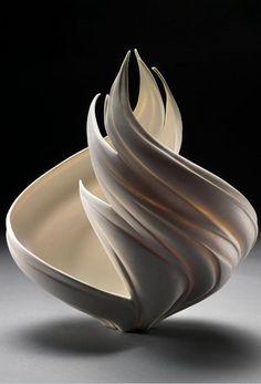 Ваза Vortex                            Природа, застывшая в фарфоре, от Дженнифер МакКурди (Jennifer McCurdy)