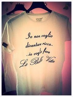 POKER D'ASSI@@ TOP T-SHIRT comprale sul sito  www.vitasnob.com  #facciamomoda #onlytop #italianstyle #abbigliamento #brand #blogger #bellavita #beautiful #cool #crazy #coomingsoon #crazyforsnob #dresscode #dompe #estate #esageriamo #fashion #f4f #fashiontime #instagram #lifeissnob #labellavita #moda #milano #novita #news #newbrand #noncifermiamomai