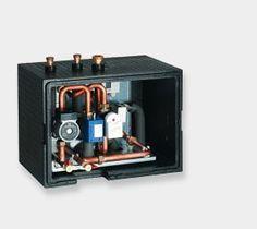 """Die NC-Box von Viessmann bringt den Wärmepumpen das Kühlen auf die ganz natürliche Art bei. Und das geht eigentlich ganz einfach. An heißen Sommertagen sind die Temperaturen im Haus höher als im Erdreich oder im Grundwasser. Die Wärmepumpen-Regelung schaltet dann auf """"natural cooling"""" und nutzt das Erdreich oder das Grundwasser, um die Wärme der Räume abzuleiten."""