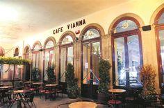 Café Vianna. O antigo banco da cidade de Braga