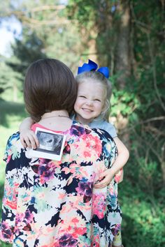 Pregnancy announcement Brad and Anna have been praying for a sweet sibling for Miss Livie Claire for some time now, so when Anna contacted me with a little surprise project I was more than excited to participate! Just da…