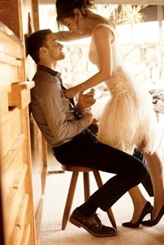 fun engagement pic~  That dress is sooo cute!!