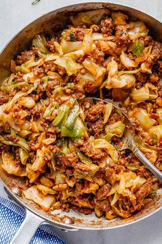 Perfect for your weeknight dinners, this fried cabbage recipe with sausage is an easy throw-together recipe you can make in 30 minutes. Cabbage Recipes With Sausage, Chorizo Recipes, Pork Recipes, Cooking Recipes, Healthy Recipes, Sausage Cabbage Skillet, Bacon Fried Cabbage, Steamed Cabbage, Bon Appetit
