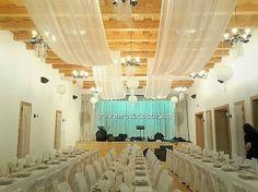 #esküvő #wedding #decor #vintage #Hollókő #Hollóköveskávézó #csipke #lace #tüll #fehér #krémszín #székszoknya #textil #virág