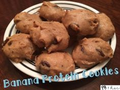 Ripped Recipes - Banana Protein Cookies - Banana Protein Cookies made from mainly mashed bananas and protein powder, making them a healthy and delicious treat! Ingredients: - 2 Mashed Bananas g) (Chocolate Banana Protein) Baking With Protein Powder, Protein Powder Recipes, High Protein Recipes, Banana Recipes, Protein Snacks, Snack Recipes, Dessert Recipes, Protein Desserts, Whey Protein