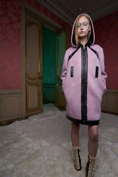 http://www.vogue.com/fashion-shows/pre-fall-2017/giamba/slideshow/collection