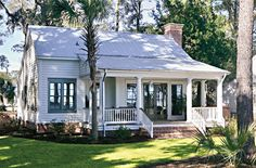 The Inn at Palmetto Bluff - Bluffton, South Carolina. I wan my house to look like this in the front. Cottage House Plans, Country House Plans, Cottage Living, Cozy Cottage, Cottage Homes, Cottage Lounge, Colonial Cottage, River Cottage, Small Country Homes