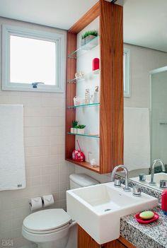 marcenaria sob medida acima do vaso banheiro
