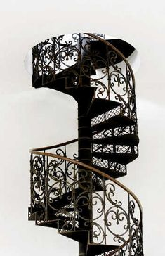 Yes, my dream studio has two stories with a beautiful spiral staircase! Escalier Art, Beautiful Stairs, Interior And Exterior, Interior Design, Take The Stairs, Stair Steps, Stairway To Heaven, House On A Hill, Staircase Design
