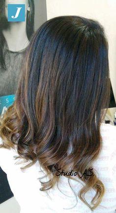 Esalta la naturale bellezza dei tuoi capelli con il Degradé Joelle!
