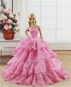 Pink Fashion Royalty Dress Clothes Gown with Embroidery Lace For Barbie Doll Barbie Wedding Dress, Barbie Gowns, Barbie Dress, Barbie Doll, Crochet Doll Dress, Crochet Doll Clothes, Diy Barbie Clothes, Dress Clothes, Barbie Sewing Patterns